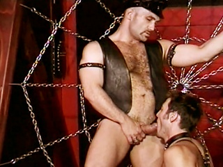 Anthony Gallo sucks big load of shit in the lead shoving his dick in Greg Hunts...