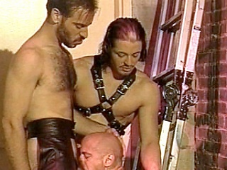 Enjoy watching Kyle and Scott, leather-clad gay bodybuilders go crazy...