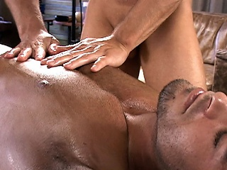 Tommy D Massage A Hot Stud...